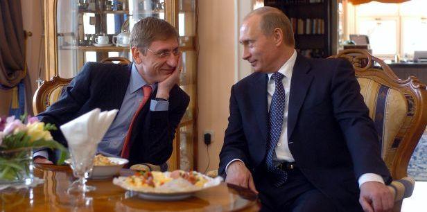Amikor Gyurcsány még kedvelte Putyint, avagy cukiságparádé Totó kutyával és  Klárával (Videóval) - PestiSrácok