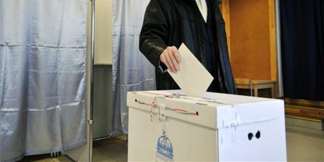 Vasárnap választják meg Kerpel-Fronius Gábor utódját a XIII. kerületi önkormányzatban