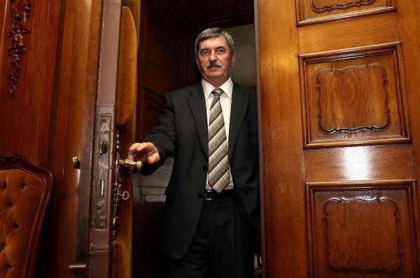 A hűtlen kezeléssel vádolt Kocsis István eleinte fizetett Kiss Ernőnek, később feljelentette az egykori rendőrt Fotó: Mno.hu