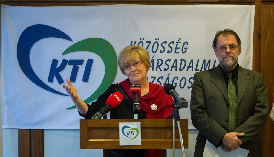 Szili Katalin itt néhány nappal ezelőtt épp feltétel nélküli alapjövedelmet ígér mindenkinek - Fotó: MTI/Illyés Tibor