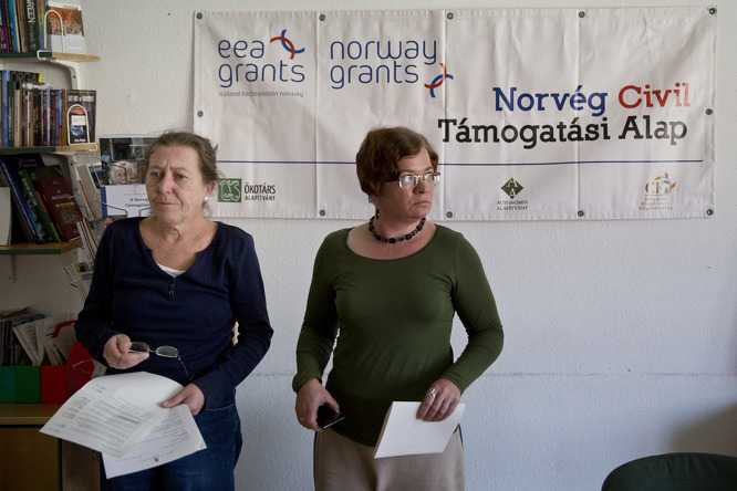 Foltányi Zsuzsa és Móra Veronika az Ökotárs Alapítvány Szerb utcai irodájában. Fotó: Pályi Zsófia – Origo