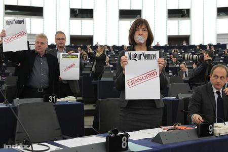 Huszonnyolc újságírót rúgtak ki a Magyar Nemzettől (frissítve!)