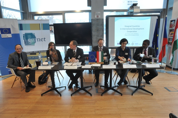 A DemNet Alapítvány visegrádi partnereivel közös tavalyi, budapesti konferenciája