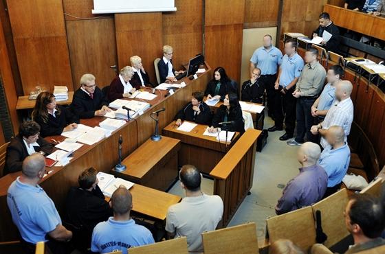 A romagyilkosságok egyik tárgyalása a Budapest Környéki Törvényszéken. Fotó:  Beliczay László/MTI