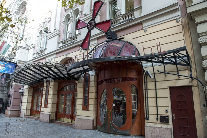 A Nagymező utcai Moulin Rouge is a Vizó-birodalomhoz tartozott anno; Fotó: Mészáros Péter/PestiSrácok.hu