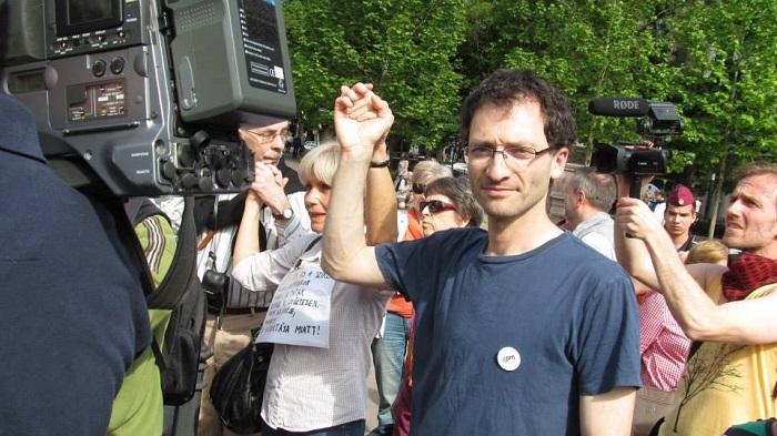 Erőss Gábor elismerte, az Átlátszó és a K-Monitor a szellemi atyjai a nagyívű javaslatoknak. Fotó: Facebook.com