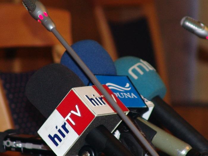 mikrofonok-hír tv