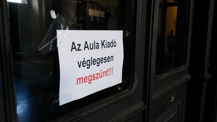 Megszűnés előtt 35 millió forintnyi jegyzettámogatás tűnt el az Aula Kiadó Kft.-nél. Fotó: PestiSrácok.hu