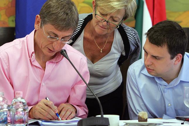Gyurcsány Ferenc és Ficsor Ádám. MTI Fotó: Miniszterelnöki Hivatal