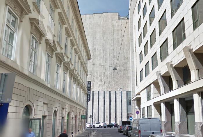 Így néz ki Finta büszkesége, a Duna Intercontinental hátulról, a Váci utca felől - Fotó: Google