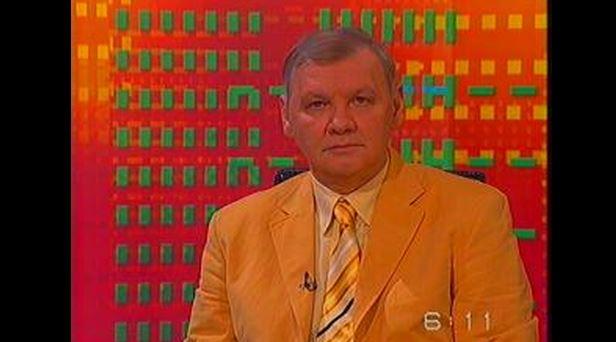Ó, azok az öltönyök! Lakat T. Károly a Naptv sport- és kultúrafelelőse / Fotó: Nava.hu