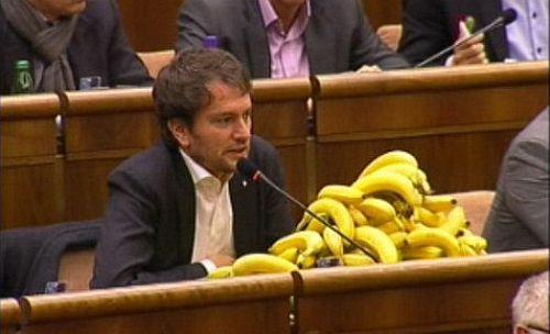 Matovič éppen a Gorilla-botrány miatt tiltakozik - Fotó: Postoj.sk