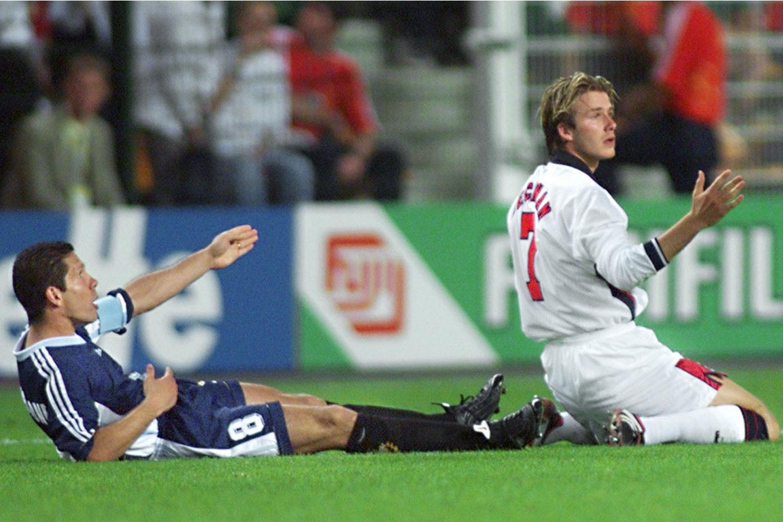 1998: Simeone provokál, Beckham kiállíttatja magát / Fotó: Standard.co.uk