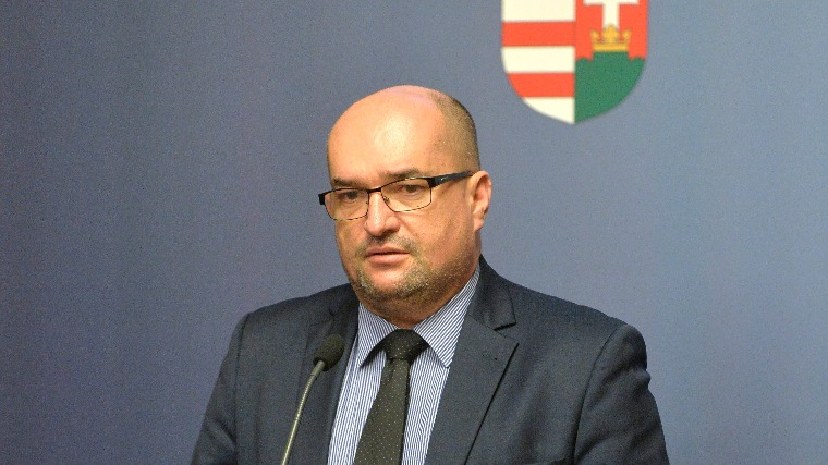 Brenzovics László: Európa biztonságát az unión belül tapasztalható repedések is megingatták; Fotó: hirado.hu