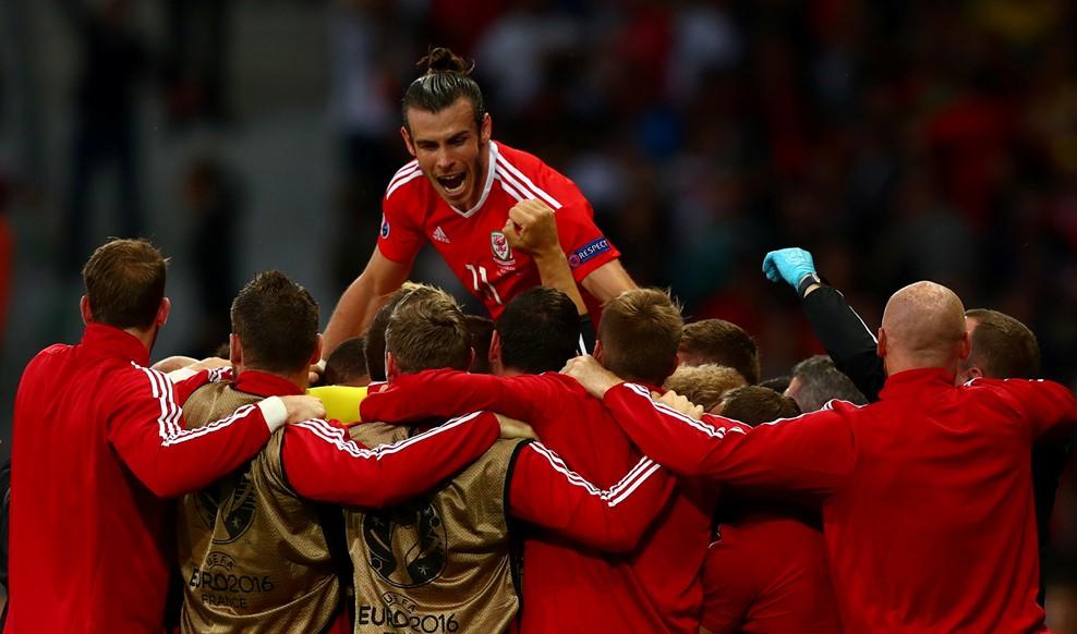 Csapatmunka, felül Bale / Fotó: UEFA.com