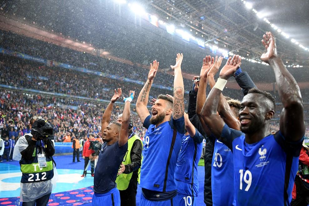 Mindenki a helyén - örömünnep / Fotó: UEFA.com