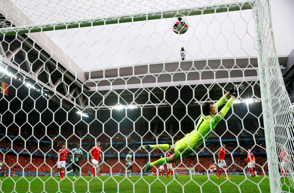 Hennessey hiába repült / Fotó: UEFA.com