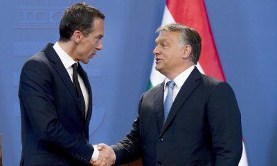 Budapest, 2016. július 26. Christian Kern osztrák kancellár (b) és Orbán Viktor miniszterelnök az Országház Delegációs termében tartott sajtótájékoztatójukon 2016. július 26-án. MTI Fotó: Koszticsák Szilárd