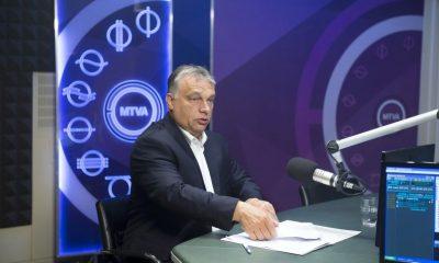 Budapest, 2016. augusztus 26. Orbán Viktor miniszterelnök a Kossuth Rádió stúdiójában, ahol interjút ad a 180 perc címû mûsorban 2016. augusztus 26-án. MTI Fotó: Koszticsák Szilárd