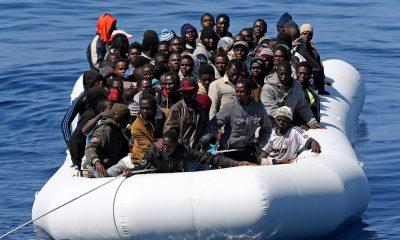 migránsok csónakon (ts.fi)