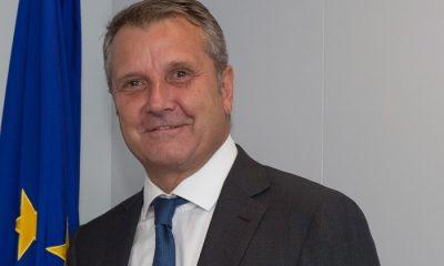 Brüsszel, 2016. augusztus 30. Az Európai Bizottság által közreadott képen Molnár Gyulát, a Magyar Szocialista Párt elnökét (j) fogadja Corina Cretu, az Európai Bizottság regionális politikáért felelõs tagja Brüsszelben 2016. augusztus 30-án. (MTI/Európai Bizottság/Lieven Creemers)