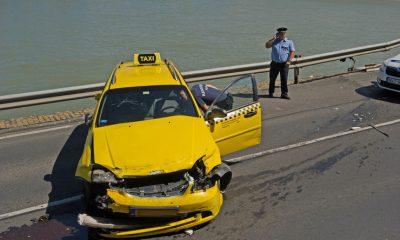 taxis, rendőrök (blikk.hu)