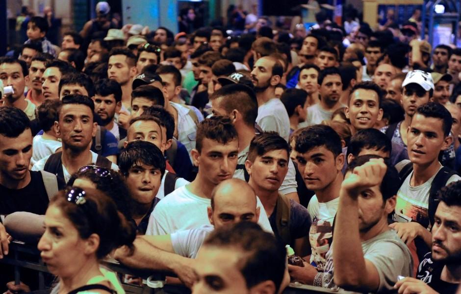 A migránsok négyötöde huszonéves férfi (kép: faz.net)