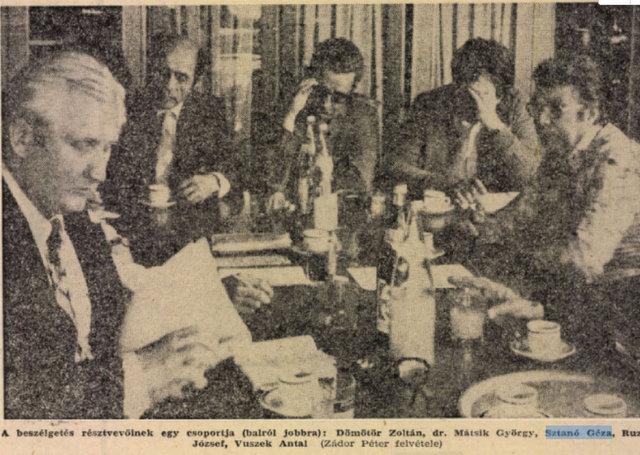 Nagy csapat: középen: Mátsik, Sztanó és Ruza / Forrás: Arcanum.hu