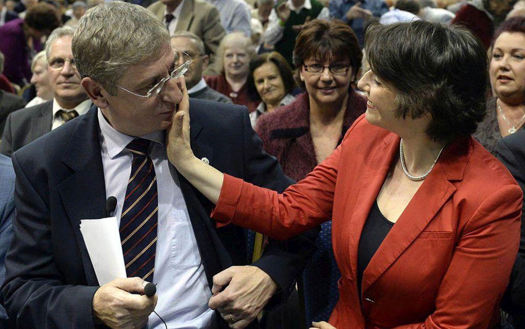 Az újra megválasztott, a pártot eddig is vezető Gyurcsány Ferenc és felesége, Dobrev Klára a Demokratikus Koalíció (DK) budapesti tisztújító kongresszusán /Fotó: MTI