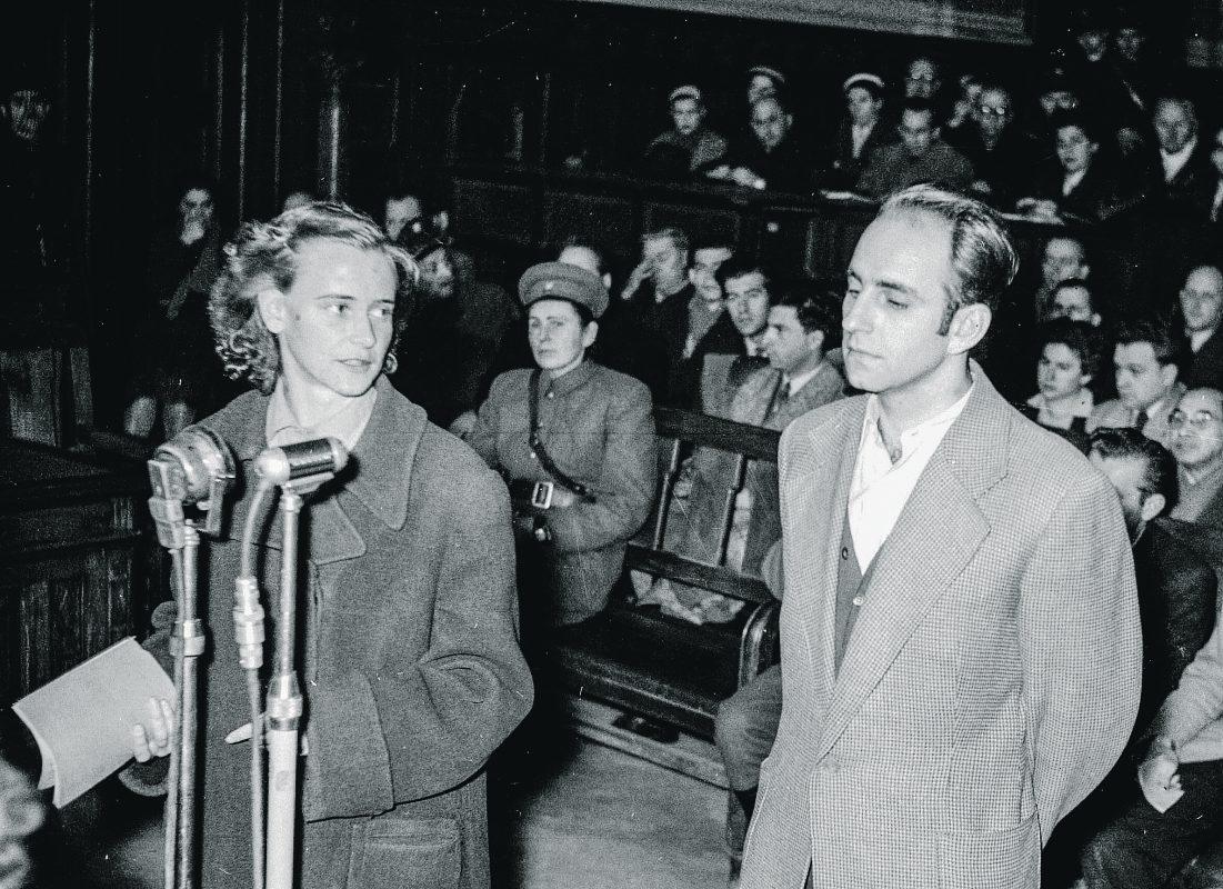 Tóth Ilona és Obersovszky Gyula a tárgyaláson / Fotó: MTI
