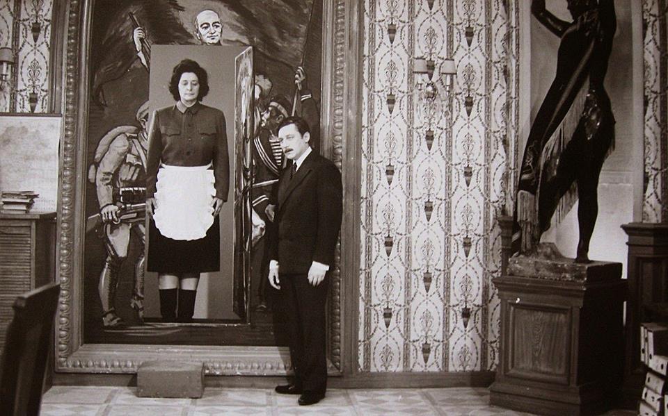 Kurta az a szoknya, jobbra az egyik legnagyobb magyar színész, Őze Lajos / Forrás: A tanú
