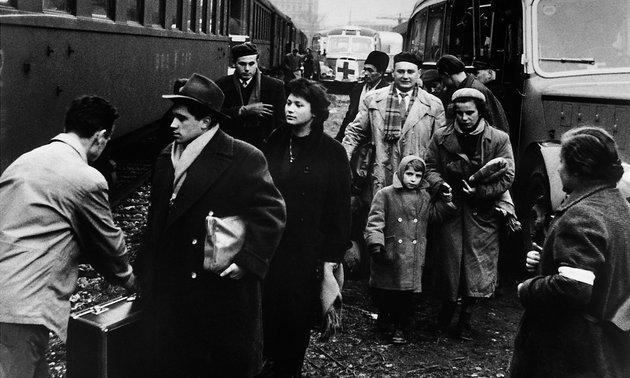 Magyar menekültek Ausztriában 1956 őszén / Fotó: Mult-kor.hu