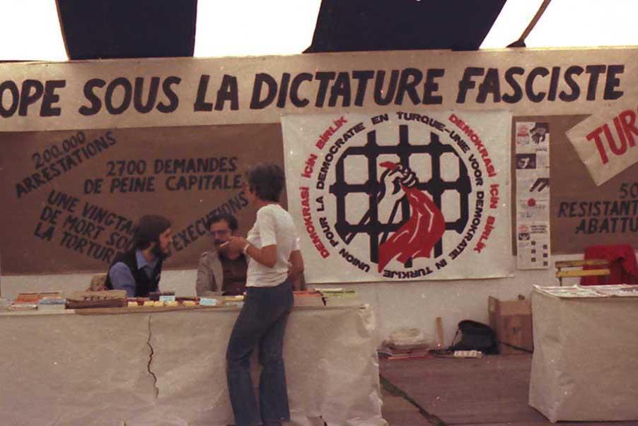 """Törökök a belga """"testvérlap"""" egyik agitációs gyűlésén / Forrás: Info-turk.be"""