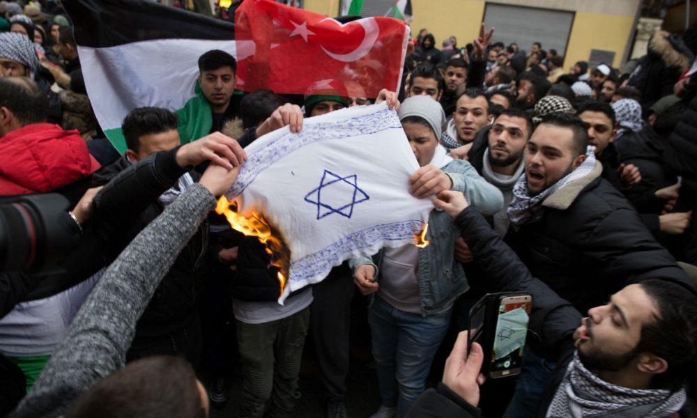 Egyre nagyobb probléma az antiszemitizmus Németországban