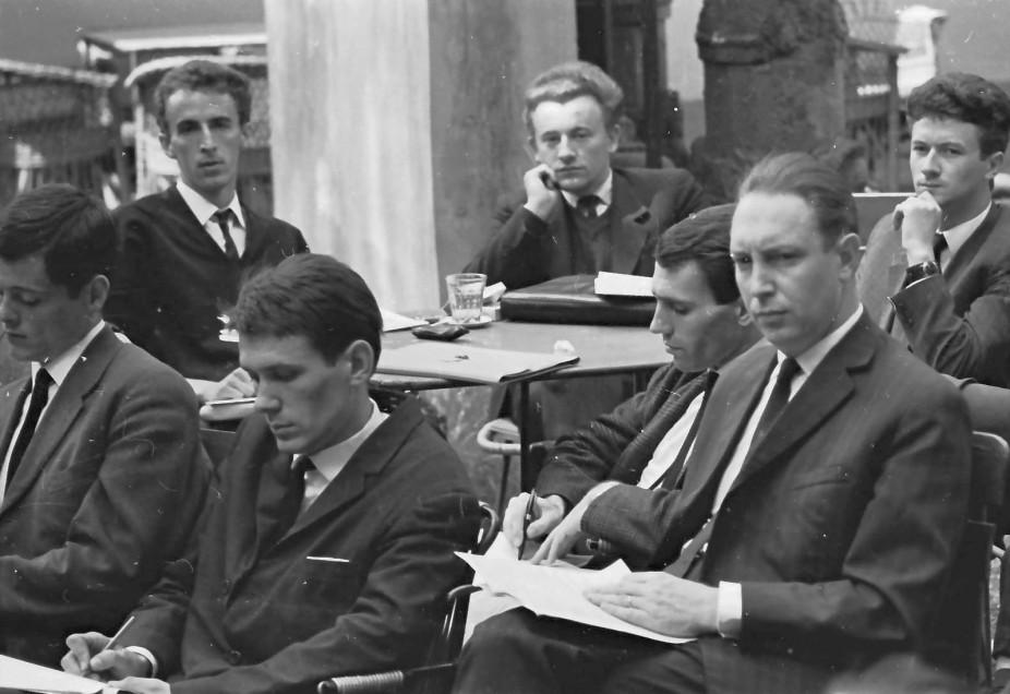 Fiatal újságíró-tanoncok jegyzetelnek / Fotó: Fortepan.hu