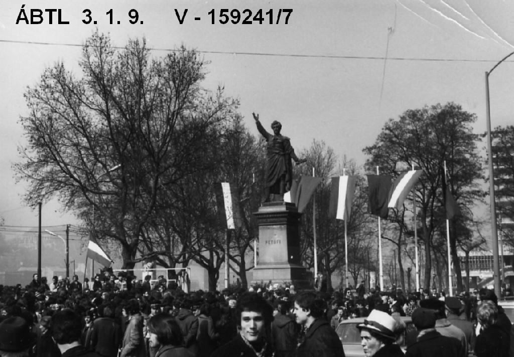 Ünnep és tüntetés 1972-ben, forrás: ÁBTL.hu