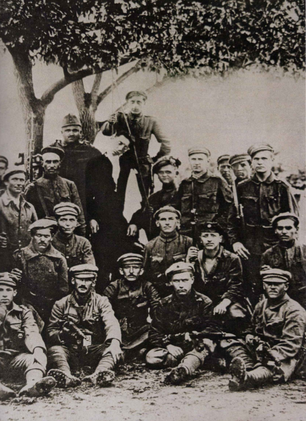 A Lenin-fiúk Dunapatajban / Forrás: Rubicon