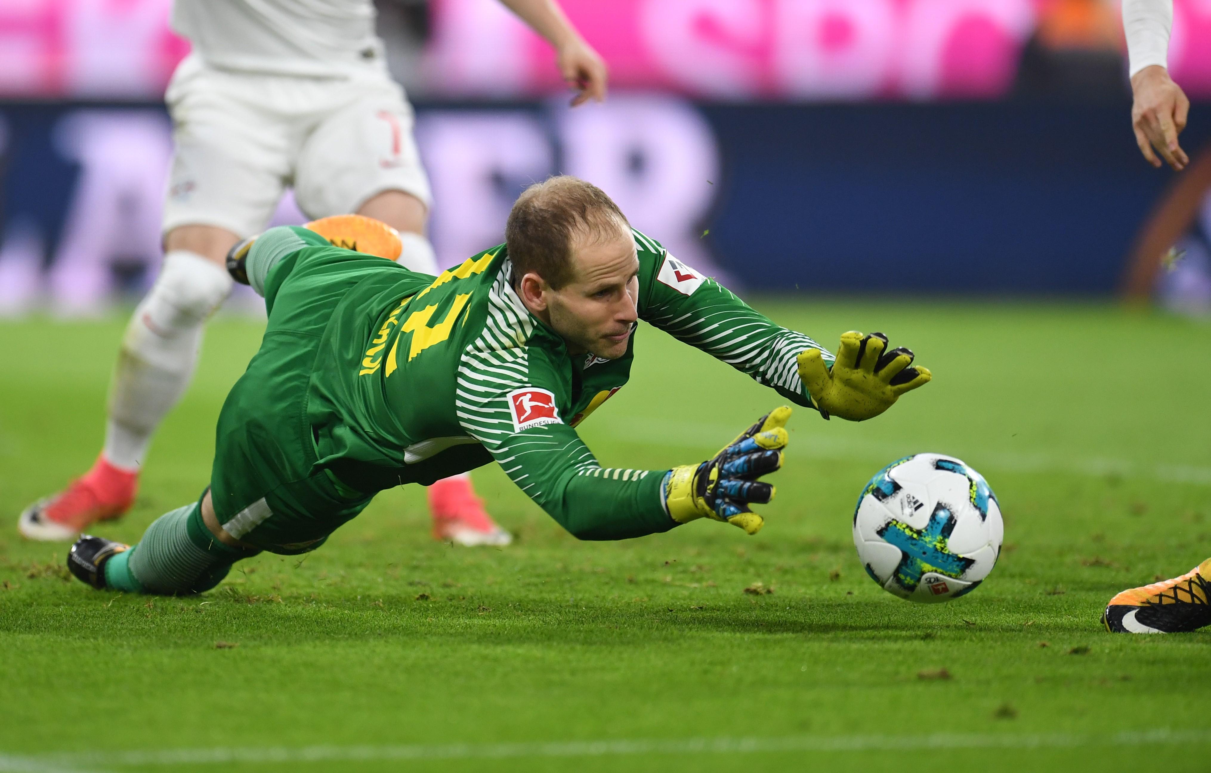 Gulácsi a Bayern ellen (2017) / Fotó: MTI/EPA