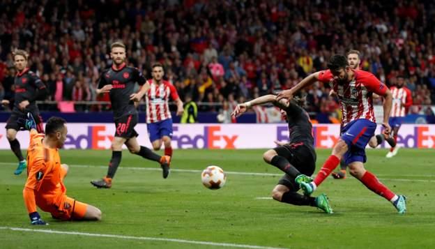 Costa gólt lő / Fotó: BBC.co.uk