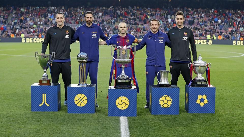 Összeálltak a csapatkapitányok / Fotó: Fcbarcelona.com