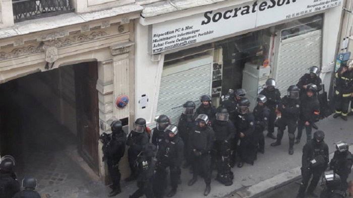 06a775e1f Két túsz, az egyikük benzinnel leöntve, kiszabadult – Véget ért a párizsi  túszdráma – PestiSrácok