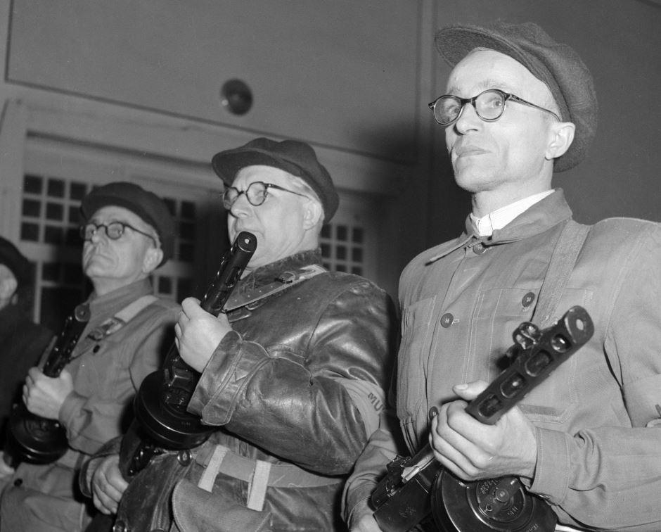 1957, megalakul a Munkásőrség / Fotó: MTI