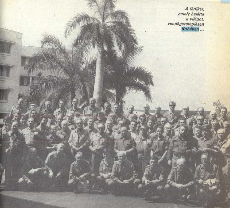 Boldog munkásőrök Kubában / Forrás: A Munkásőrség említett kiadványa