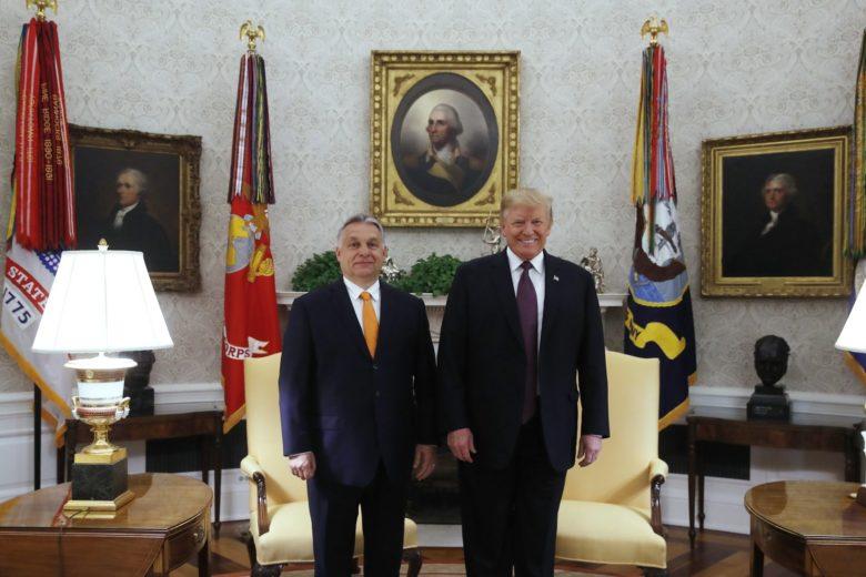 Donald Trump amerikai elnök (j) mindvégig az őt megillető tiszteletben részesítette Orbán Viktor magyar miniszterelnököt.<br /> Fotó: MTI/Koszticsák Szilárd