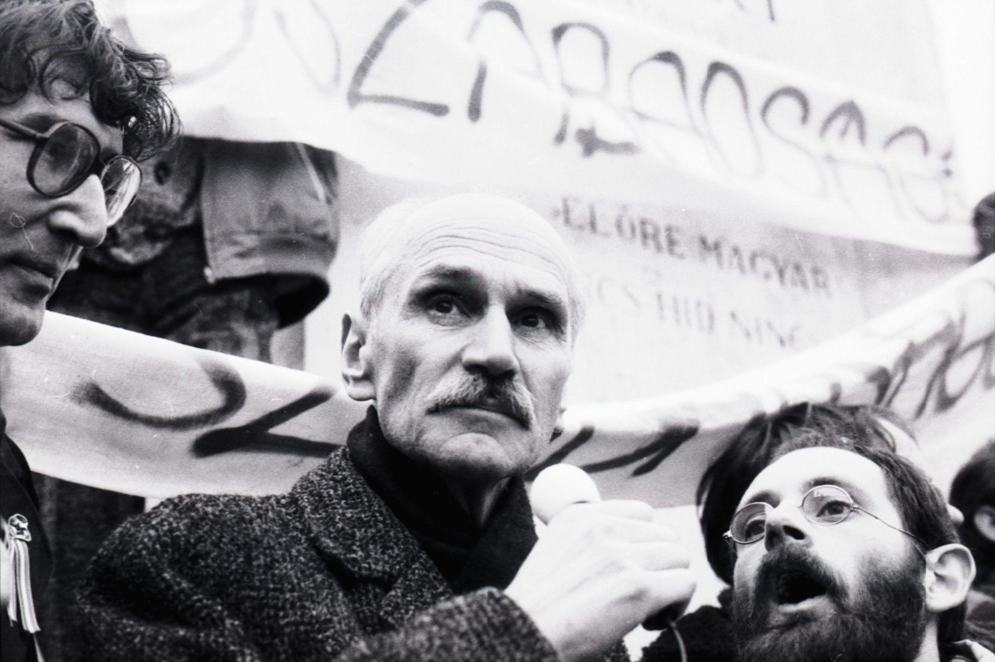 Pákh Tibor (középen), az egyik legfontosabb célpont volt / Fotó: MTI