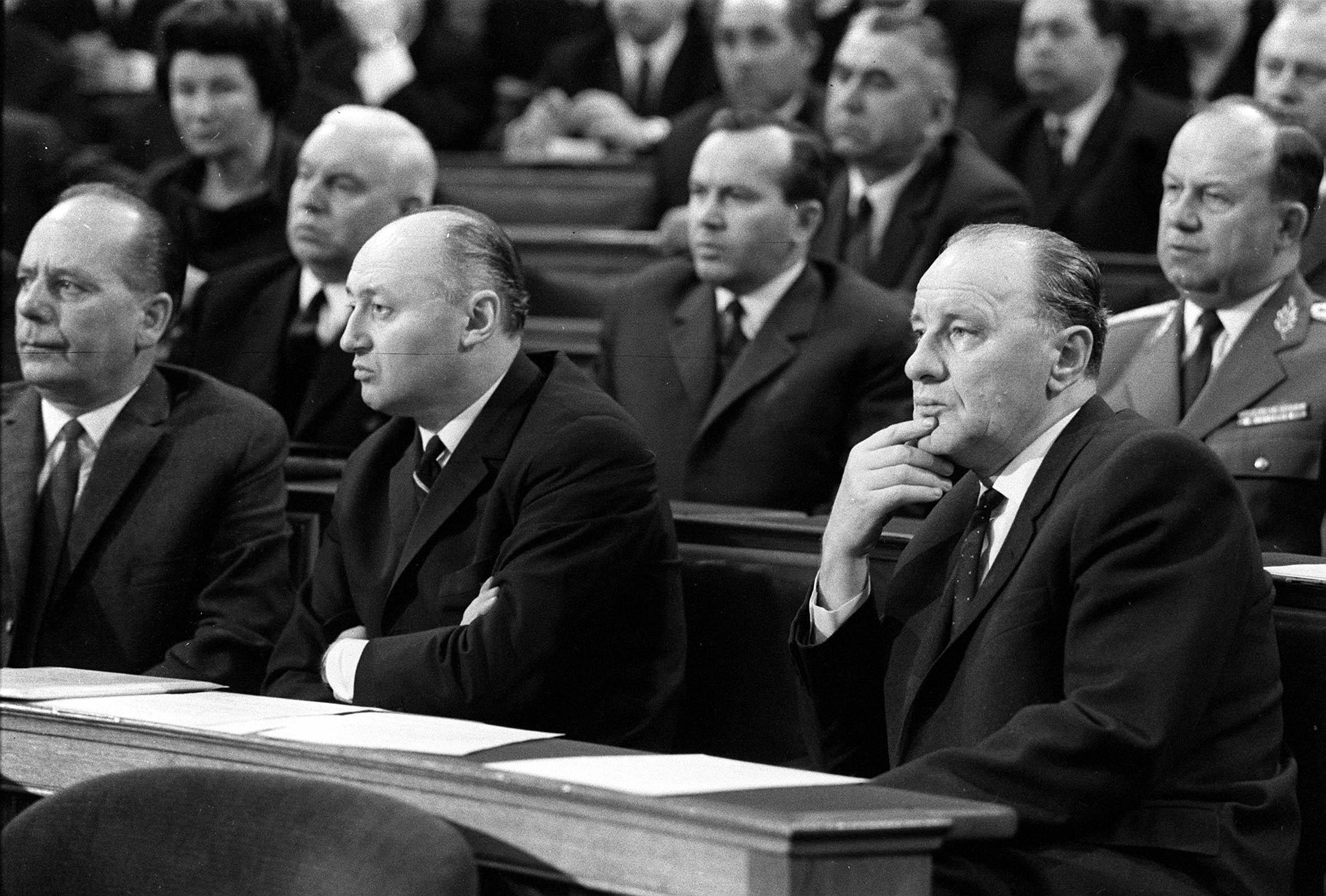 Együtt a kommunista vezetés: Gáspár Sándor, mellette Biszku Béla és Kádár / Fotó: MTI