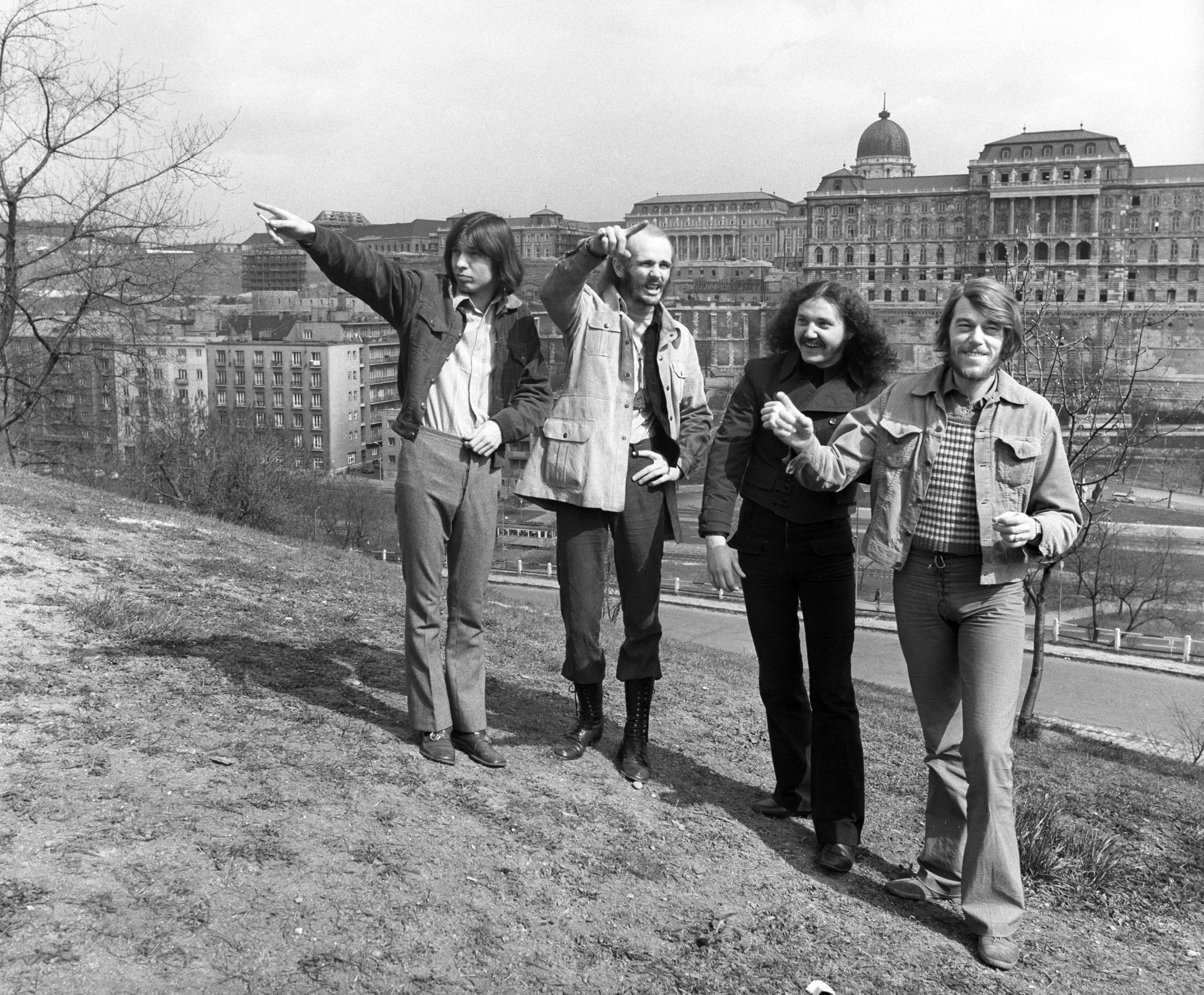 A Taurus ex-T:257582 nevû együttes tagjai a Naphegyen. Balról: Balázs Ferenc , Som Lajos, Radics Béla és Brunner Gyõzõ / Fotó: MTI