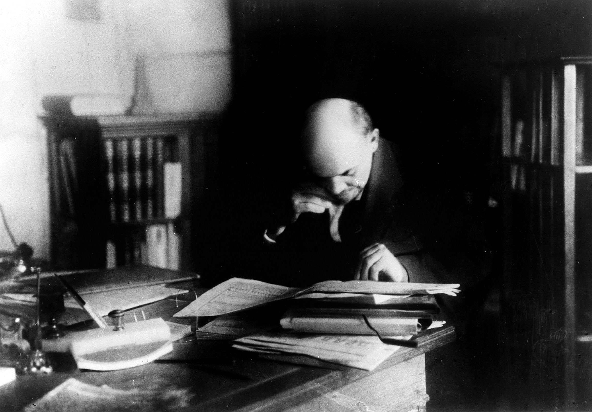 Lenin tervez, Isten végez? / Fotó: MTI