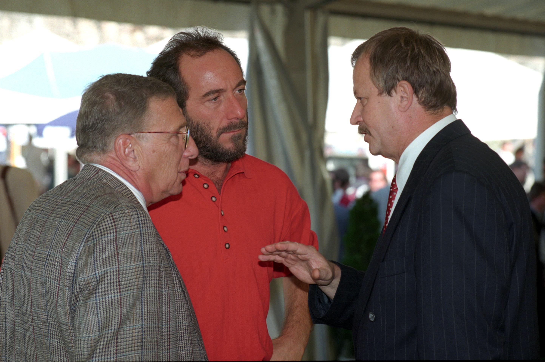 Hatalma csúcsán. Balra Ungvári Tamás író, jobbra Kuncze Gábor belügyminiszter / Fotó: MTI