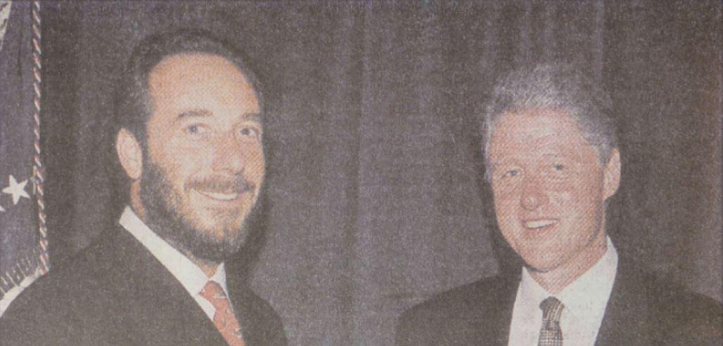 Fenyő János egyik kedvenc képe: együtt Bill Clinton amerikai elnökkel / Forrás: Arcanum.hu